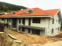 Продава Четиристаен Апартамент  София - Бистрица  261800 €