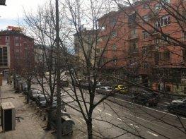 Продава Тристаен Апартамент  София - Център 155000 €