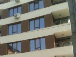 Продава Тристаен Апартамент  София -  80000 €
