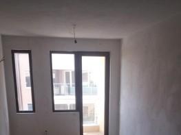 Продава Тристаен Апартамент  София Зона Б18  103000 EUR