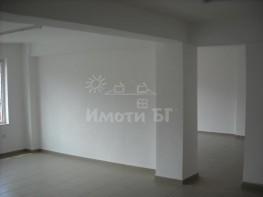 Продава Тристаен Апартамент  София Оборище 180000 EUR