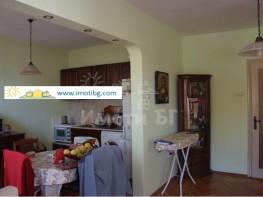 Продава Тристаен Апартамент  София Западен парк  75900 EUR
