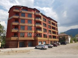 Продава Тристаен Апартамент  София Карпузица 83000 EUR